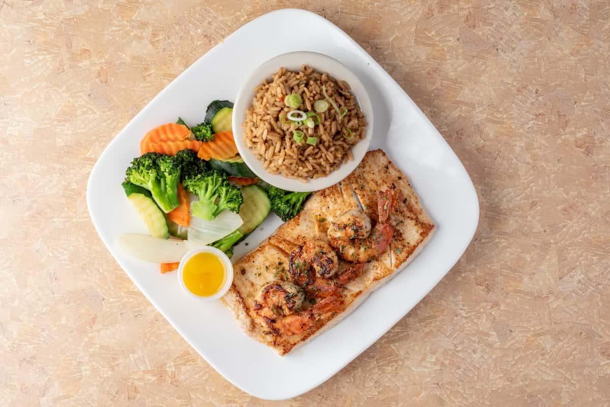 Grilled Mahi Mahi With 3 Jumbo Shrimps