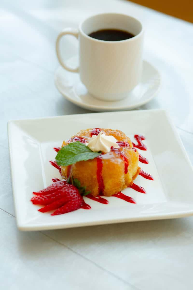 Mini Warm Upside Down Pineapple Cake