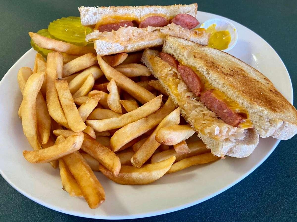 grilled polish sausage sandwich