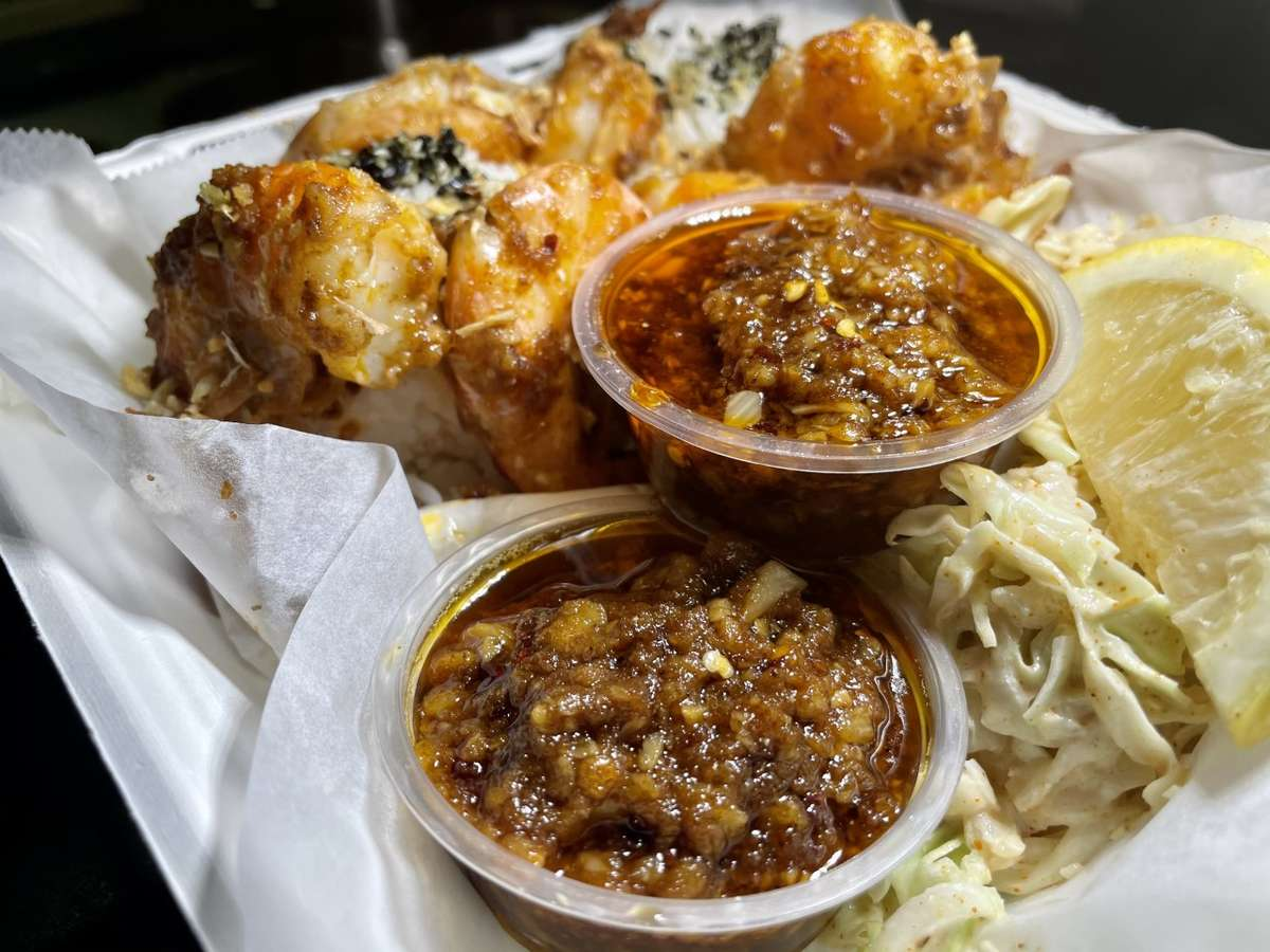 Hawaiian Garlic Shrimp Plate