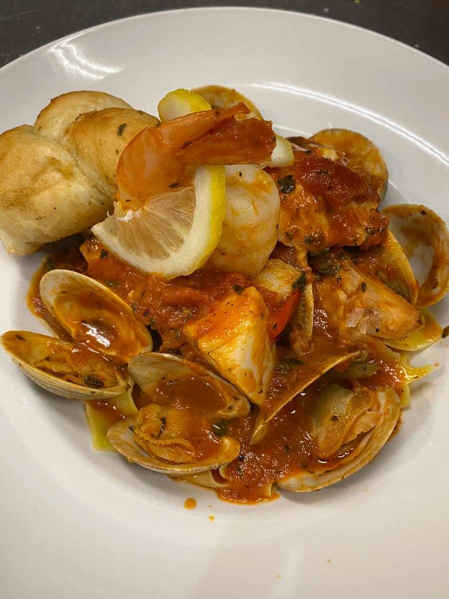 Carlos' Seafood Fra Diavolo
