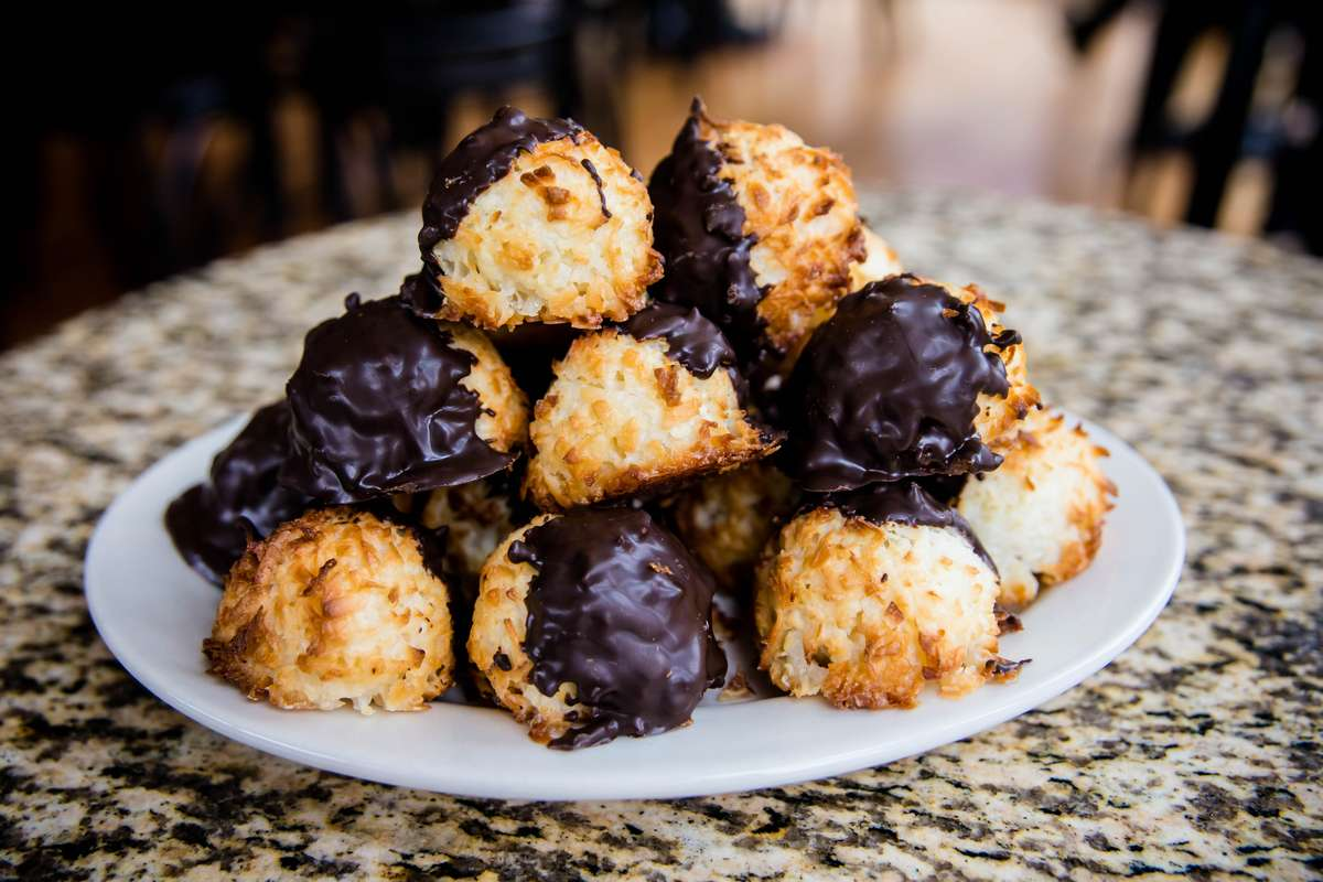 choco dipped macaroons