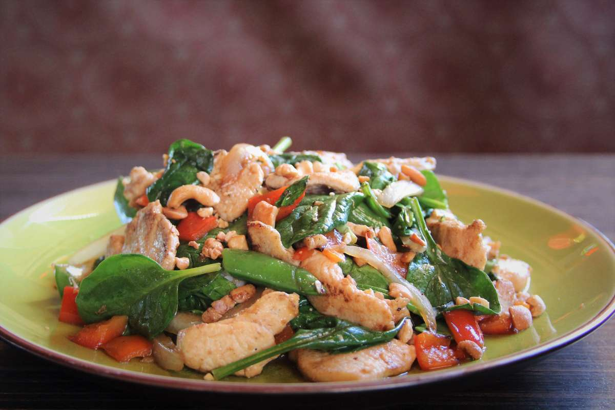Cashew Stir-Fry Chicken