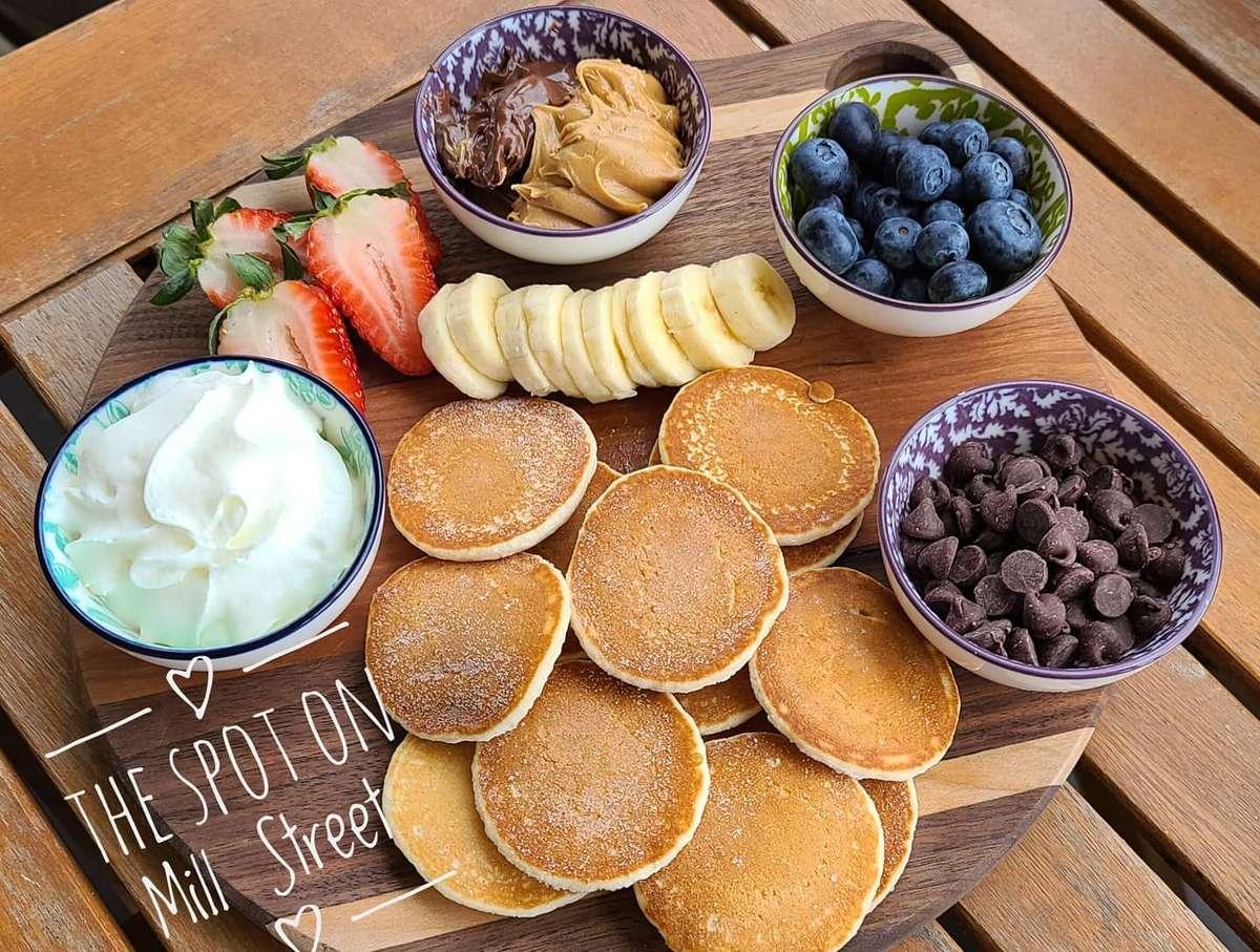Kid's Pancake or Waffle Platter (SUNDAYS ONLY)