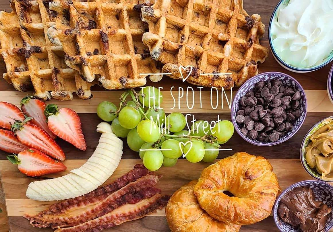 Pancake or Waffle Platters