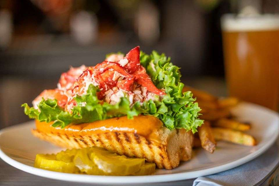 Bay Pointe Lobster Roll