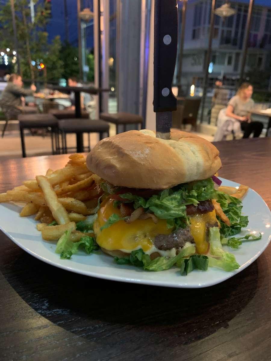 Cairde Burger