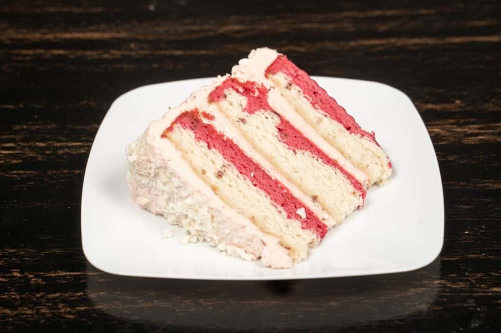 Strawberry Float Whole Cake