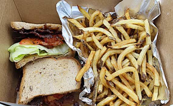 VLT (Vegan Bacon, Lettuce and Tomato)