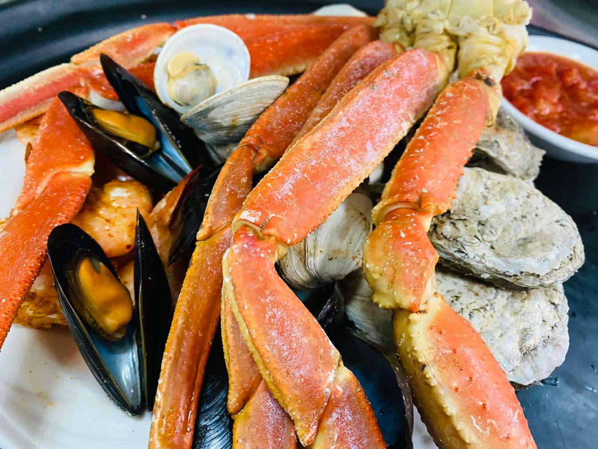 Chesapeake Landing Shellfish Sampler