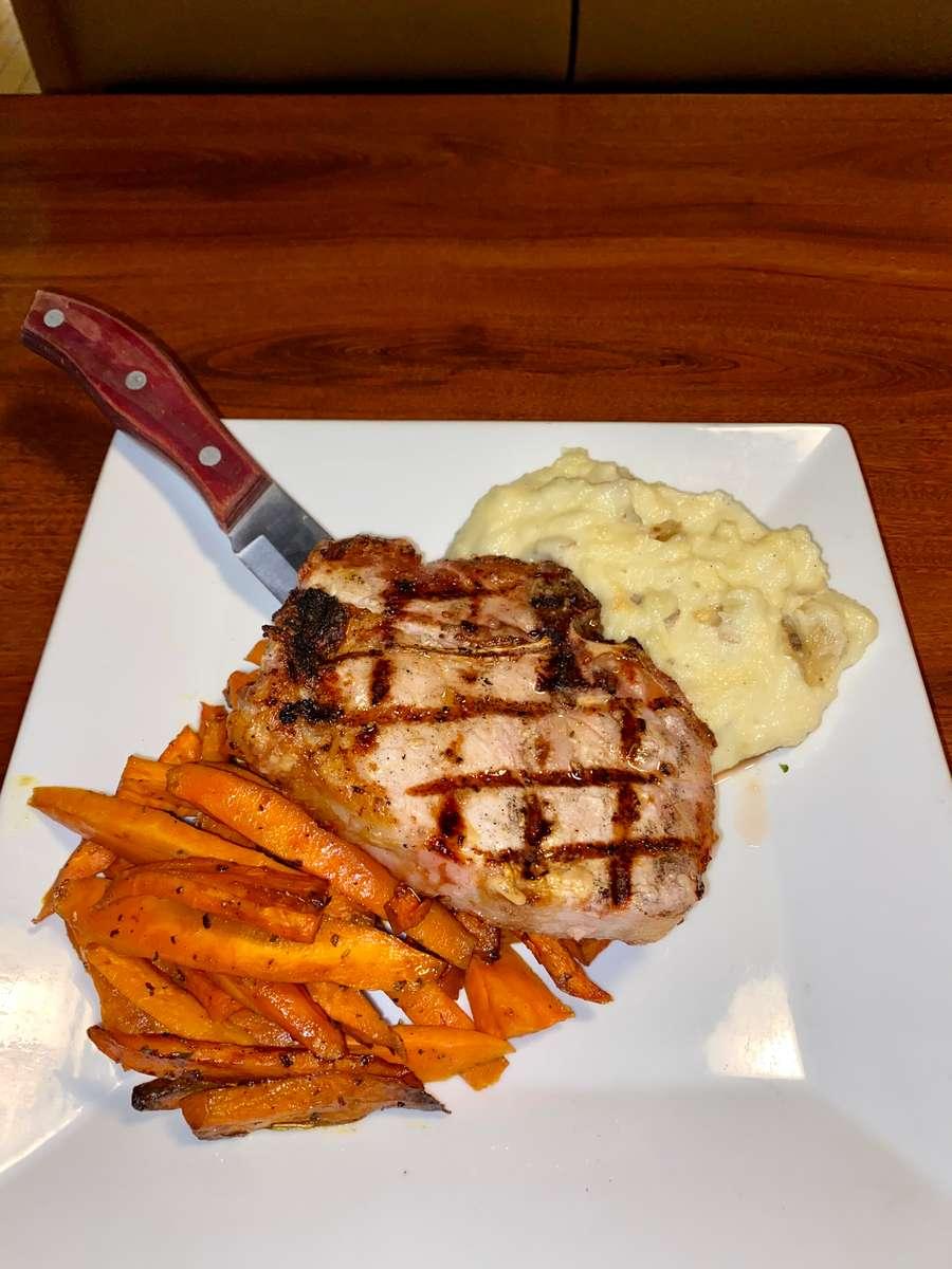 Double Cut Pork Chop (12 oz.)