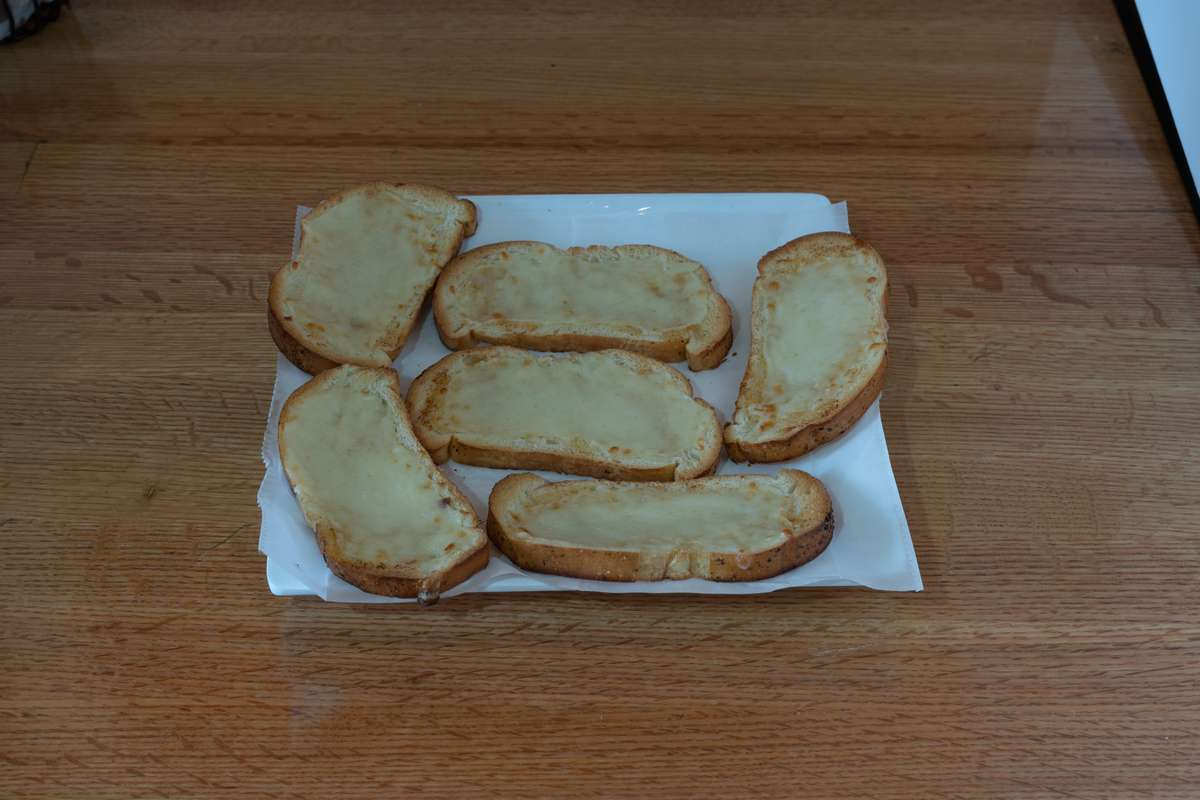 Crispy Cheese Garlic Bread