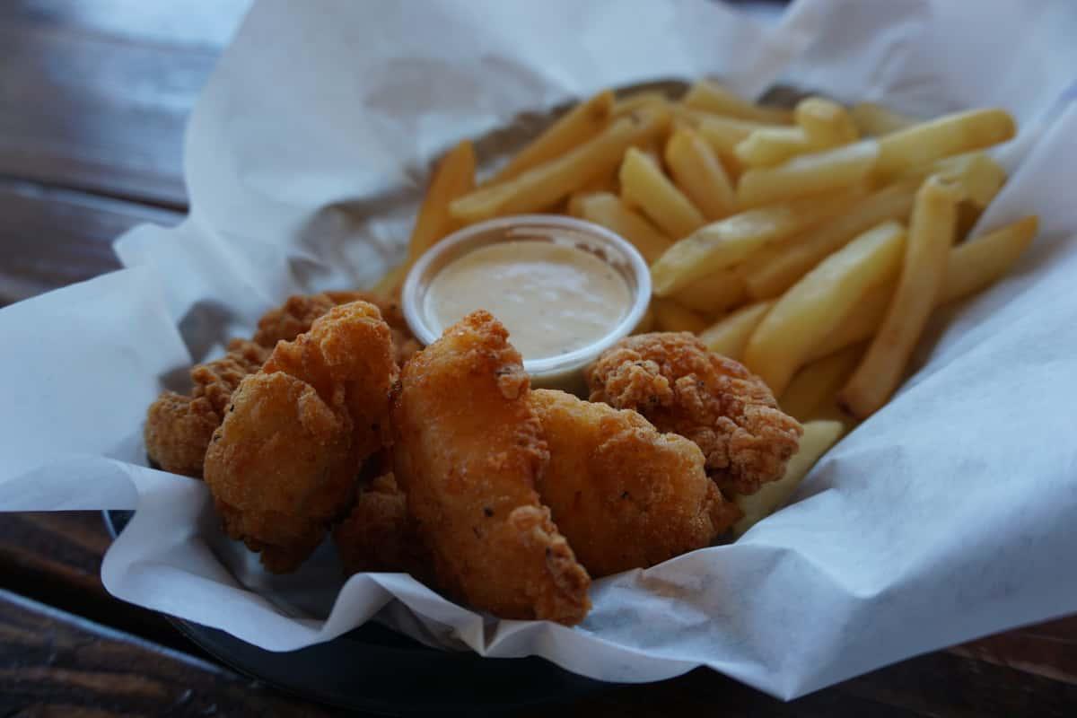 Chicken Chunks Basket & Fries