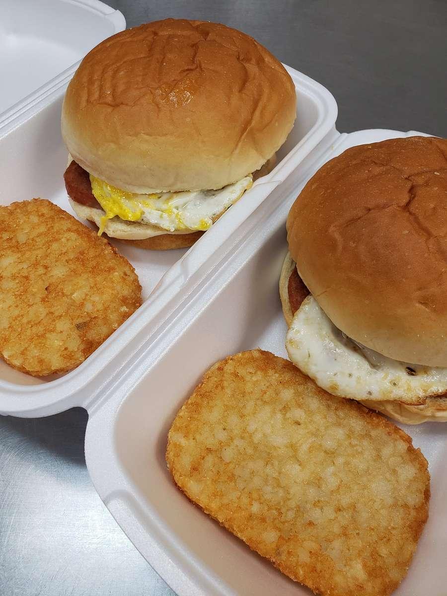 Breakfast Sandwich w/hashbrown