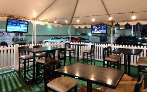 Newport Rib Company Outdoor Dining Area