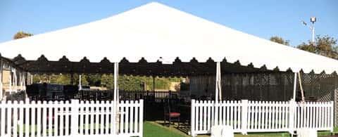 Outdoor Dining at Newport Rib Company