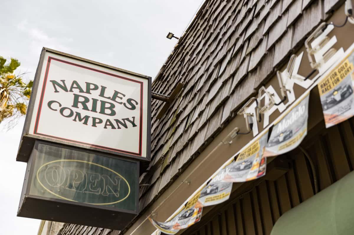 naples rib company sign