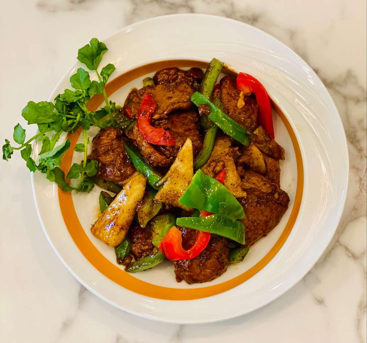 Black Pepper Beef or Chicken 黑椒素牛肉/雞肉