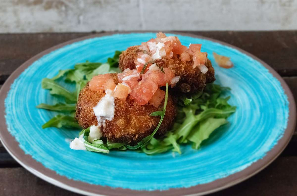 Today's Special: Salmon Cakes*