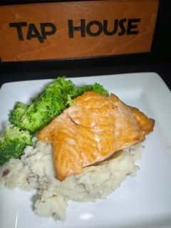 Salmon with mashed potato & seasonal vegetable