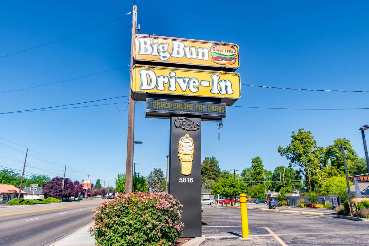 Big Bun Sign
