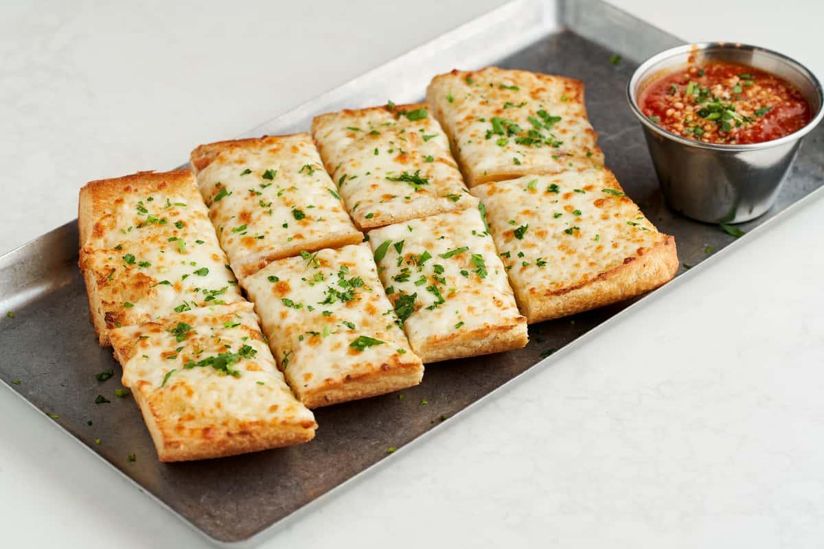 Cheesy Garlic Bread with Mozzarella