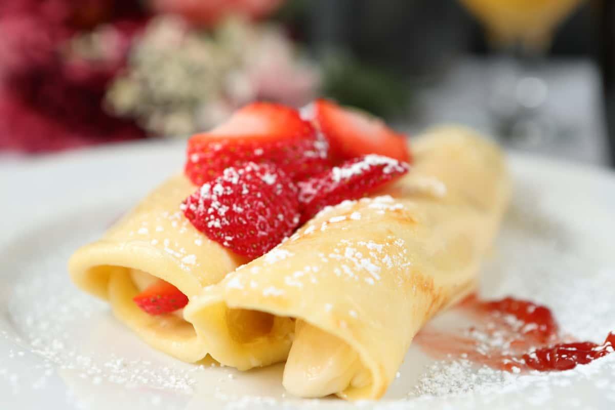Strawberry & Cream Crepes