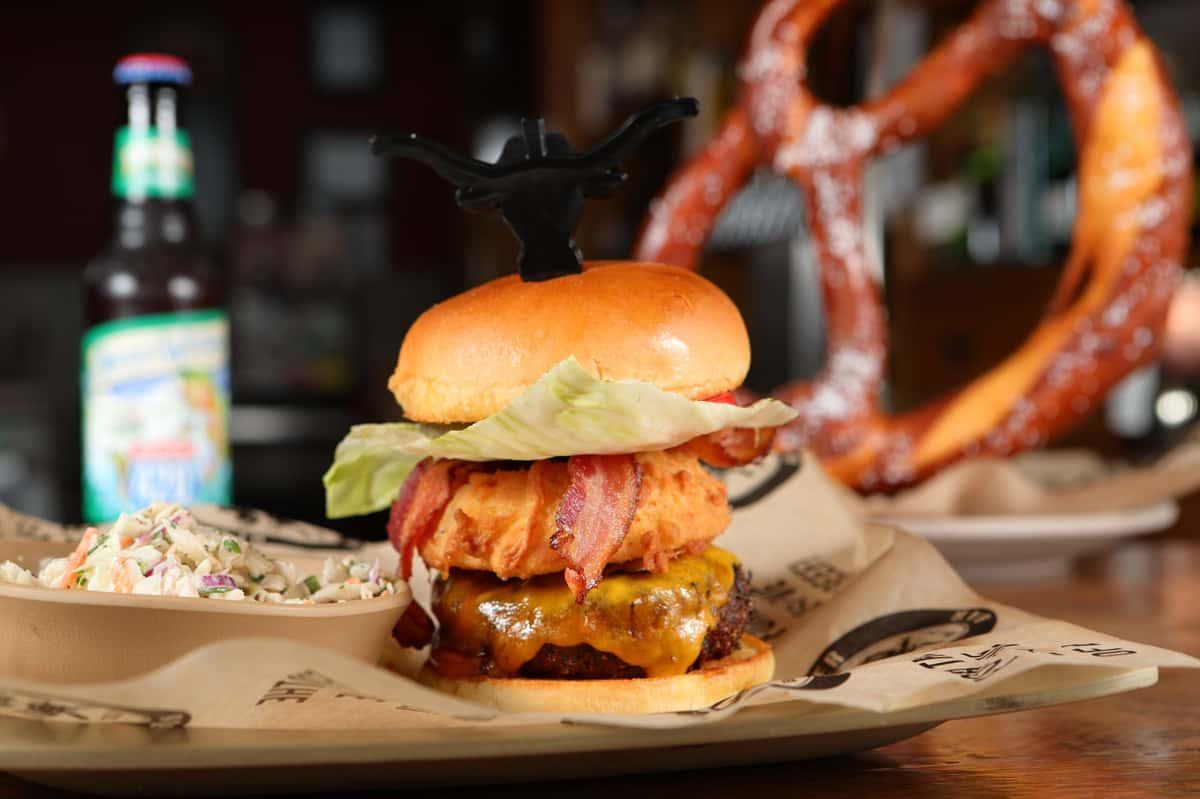 Blackout BBQ Burger*