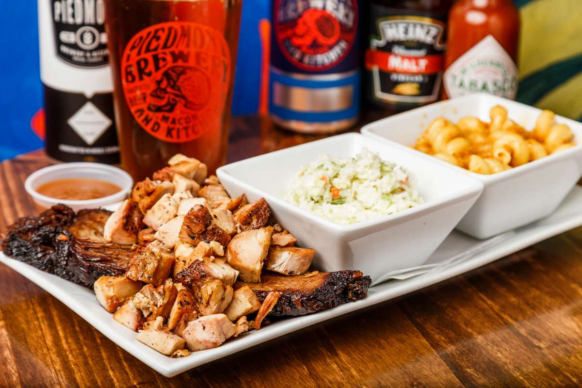 PBK Platter w. Smoked Chicken