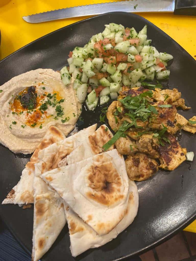 Hummus with Veggies or Pita