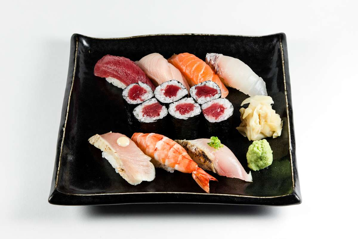 Sushi Platter 7 Pieces & 1 Roll