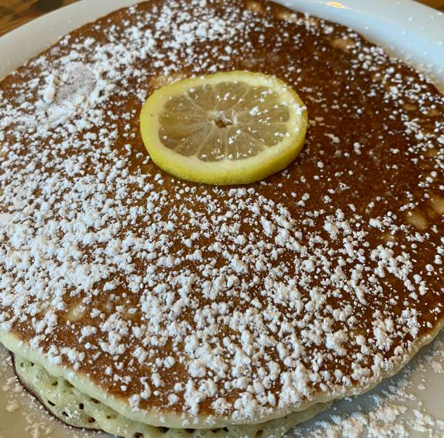 lemon ricotta pancake - single