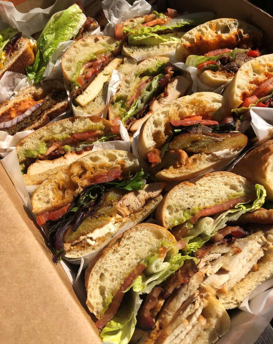 PREMIUM SANDWICH BOX