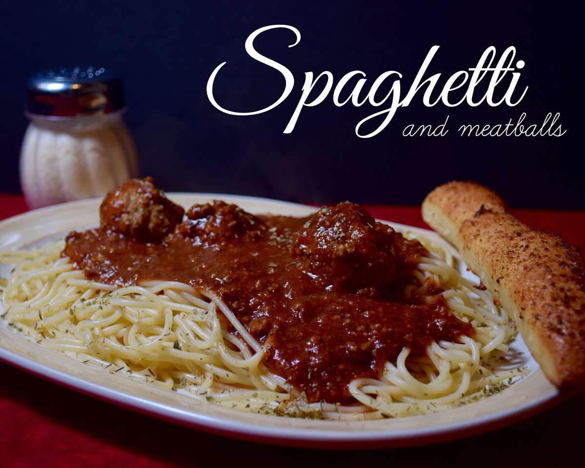 Spaghetti, Salad & Breadstick Special