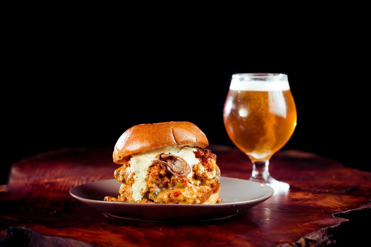 messy burger w beer