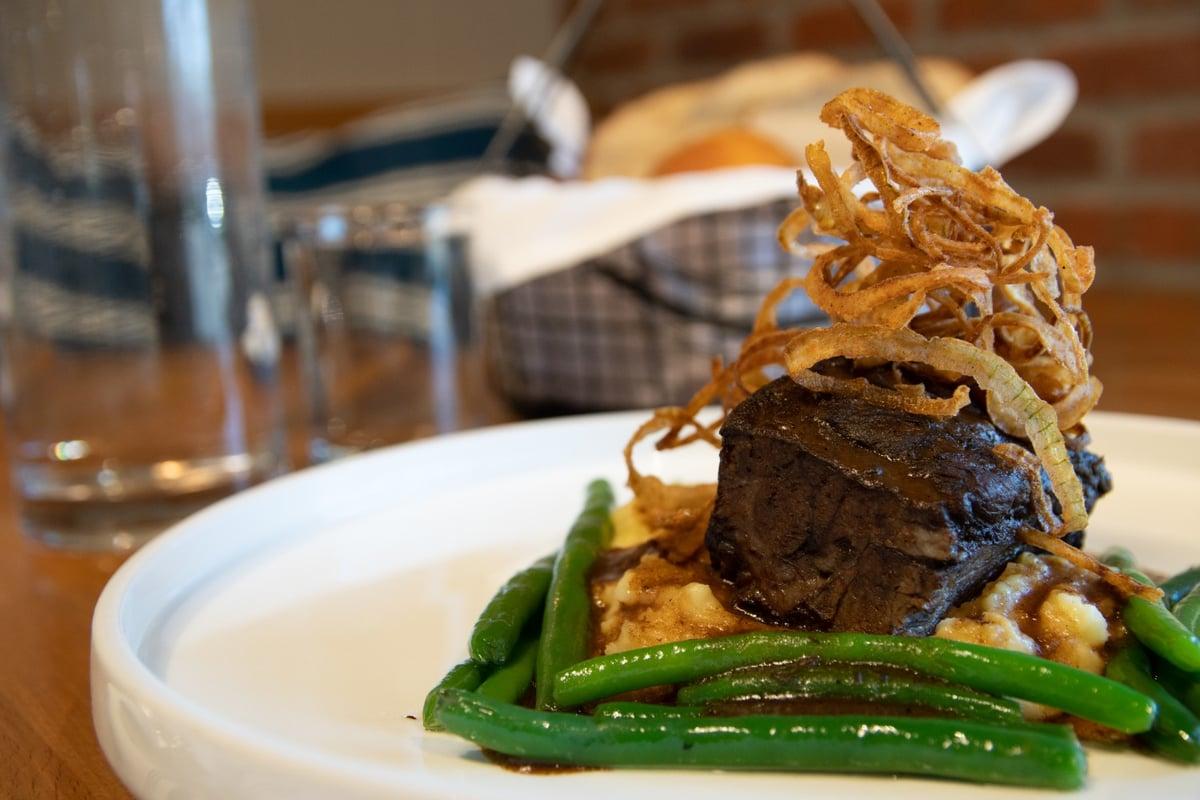steak with veggies