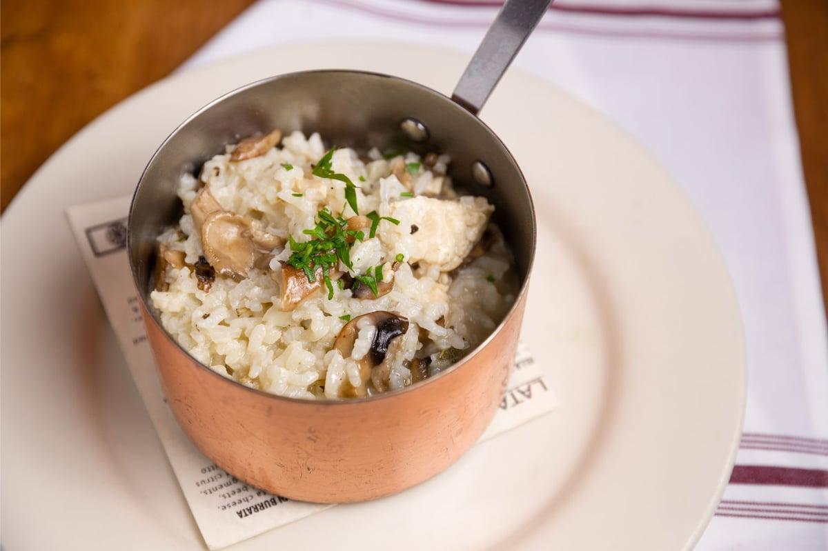 Fiori Con La E.Risotto Con Pollo E Funghi Dinner Cafe Fiore Restaurant In