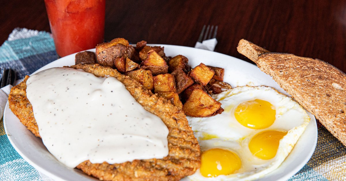 Chicken Fried Steak And Eggs Breakfast The Loose Wheel Bar Grill In Wa