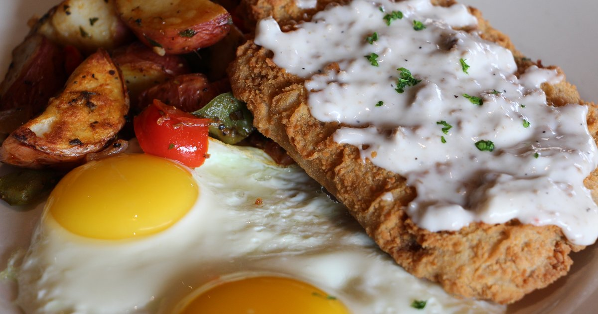 Chicken Fried Steak Eggs Breakfast 17th Street Grill American Restaurant In Tustin Ca