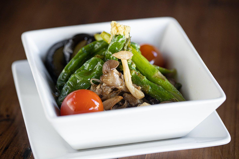 asparagus and veggies