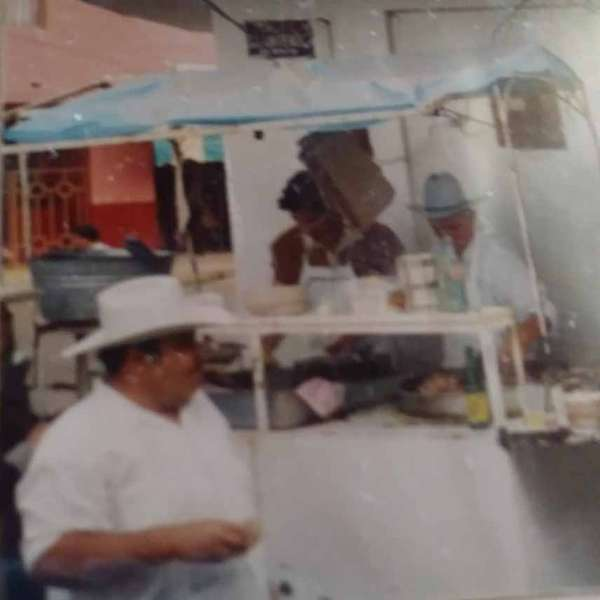 selling tacos