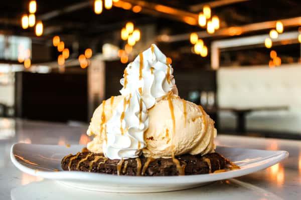 Salted Chocolate Caramel Cookie Sundae