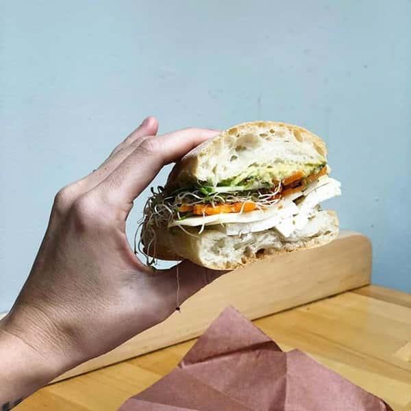 turkey and veggie sandwich