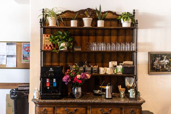 Coffee and water bar