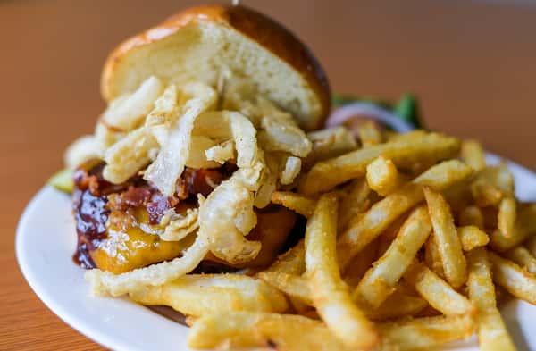 Whiskey Hill BBQ Pork, Cheddar & Bacon Burger