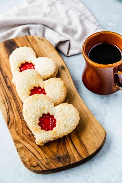 Linzer Heart Cookie