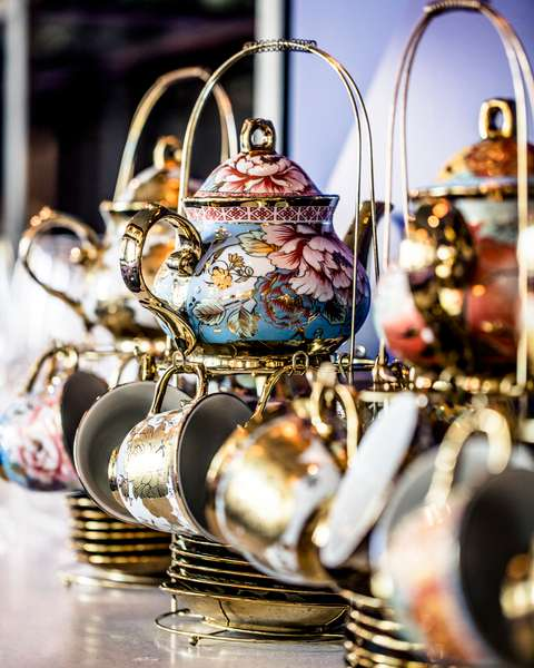 teapots with teacups