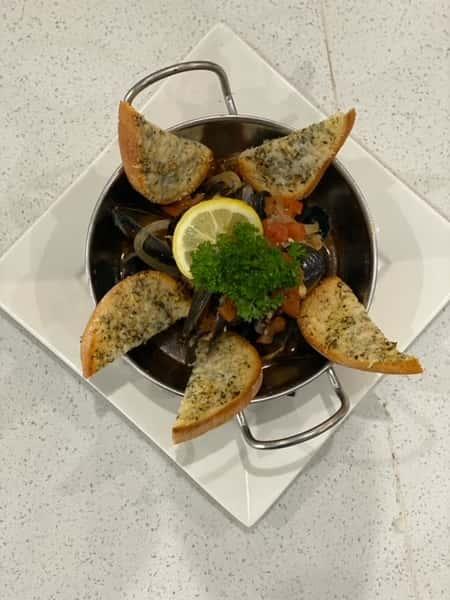 Sautéed Black Mussels