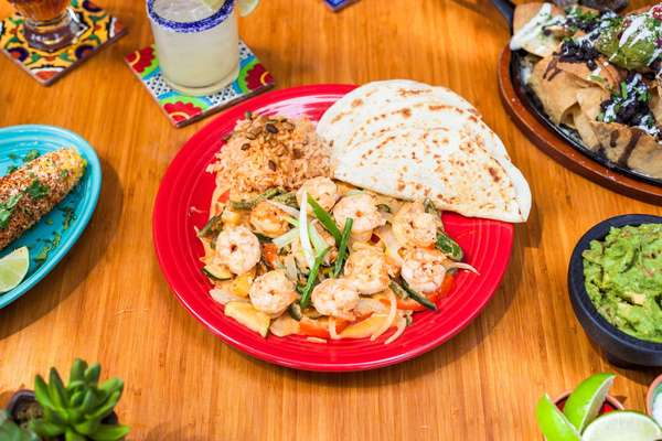 spicy cantina camarones dinner