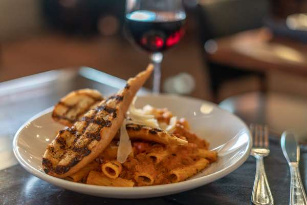 pasta with chicken and wine